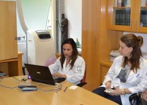 A Biomédica Fatima Morais, cadastrou residentes estagiários na lista de discução.