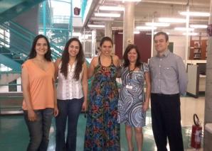 Bibliotecária Vera Sampaio recebe estagiários de DST