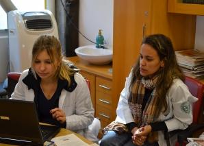 Biomédica Fátima Morais Faz o cadastramento dos Residentes