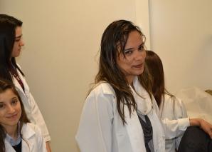 Biomédica Fátima Morais, mostrou acervo de lâminas do CEADS