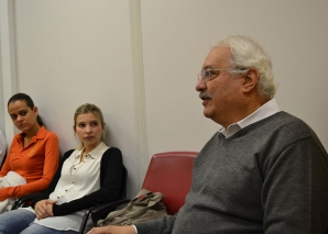 Prof. Delia faz Palestra sobre Gestão da Carreira no Exterior