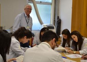 Prof. Dr. Fagundes, aplicou as Provas de DST.
