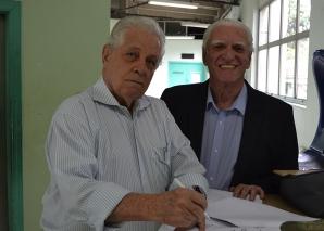 Prof. Fagundes, compareceu à Jornada de Santos.