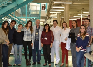 Prof. Vera Sampaio Recebe os Residentes na Biblioteca da FSP USP