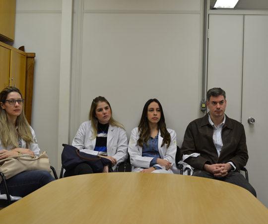 Residentes Estagiários de julho de 2014, durante a Palestra sobre Gestão, Proferida pelos Professores Jose delia Filho e Daniel Rothenberg e Coordenada pelo Prof. Dr. Luiz Jorge Fagundes, Coordenador Científico do CEADS.