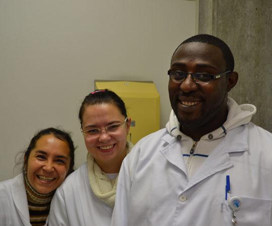 Alunos da Escola de Enfermagem da USP, durante o Estágio no Laboratório de DST da Dermatologia Sanitária do Centro de Saúde Escola Geraldo de Paula Souza da Faculdade de Saúde Pública da USP.