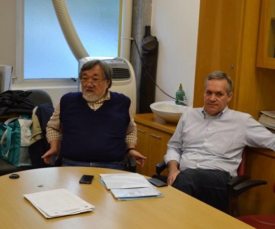 """Prof. Fabio Haramura, Coordenador de Gestão do CEADS e Prof. Lucas Blanco, Colaborador do CEADS, durante a Palestra sobre """"Fundamentos da Gestão e Negociação e Persuasão"""""""
