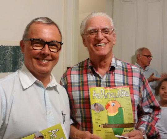 """O Poeta Reynaldo Damazo, Coordenador do Espaço Cultural """"Casa das Rosas"""" , o Prof. Dr. Luiz Jorge Fagundes, Coordenador Científico do CEADS e Srta. Lia Lerner, durante o Evento de Lançamento do Projeto """"Periquitas""""."""