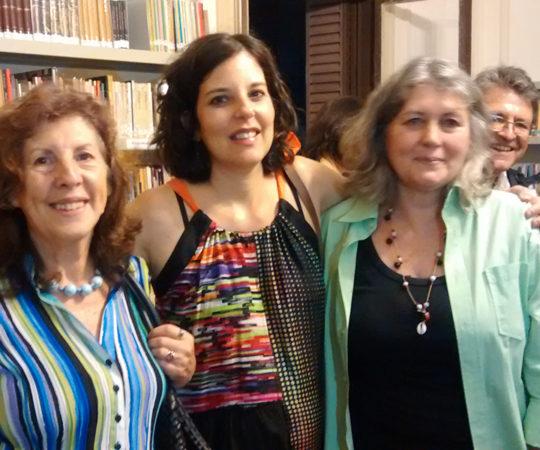 """As """"Periquitas"""", Desenhistas de Humor Gráfico: Ciça, Claudia Kfouri e Crau, Organizadora do Projeto """"Periquitas""""."""