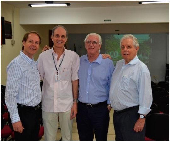 Prof. Dr. Ricardo Romiti, Prof. Dr. Mario Cezar  Pires, Prof. Dr. Luiz Jorge Fagundes e o Prof. Dr. Ney Romiti, durante a 13ª Jornada Dermatológica de Santos.