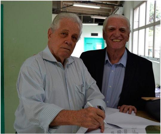 Prof. Dr. Ney Romiti e o Prof. Dr. Luiz Jorge Fagundes, durante a 13ª Jornada Dermatológica de Santos.