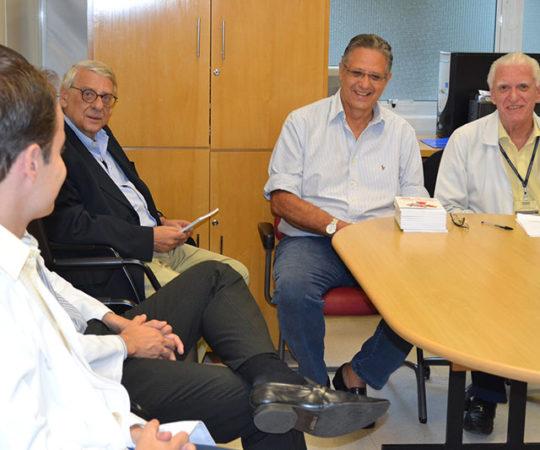 Prof. Norberto Chamas, Arquiteto de Publicitário, o Prof. Wesley Wey Jr, Ex Superintendente da Fundação Pró Sangue do HC FMUSP , o Prof. Dr. Luiz Jorge fagundes, Coordenador Científico do CEADS  e os Residnetes Estagiários de DST de abril de 2015.