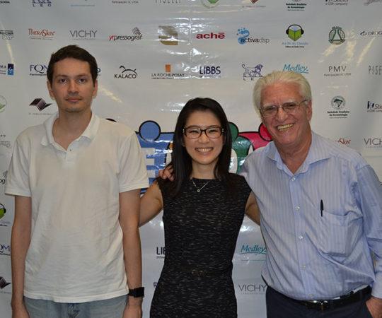 Sr. Ricahrd Samuel Lingner, Responsável Técnico da Disciplina de Telemedicina da FM USP, a Dra. Denise Miyamoto, Coordenadora do 43 Fórum de Debates do CEADS e o Prof. Dr. Luiz Jorge Fagundes, Coordenador Científico do CEADS.