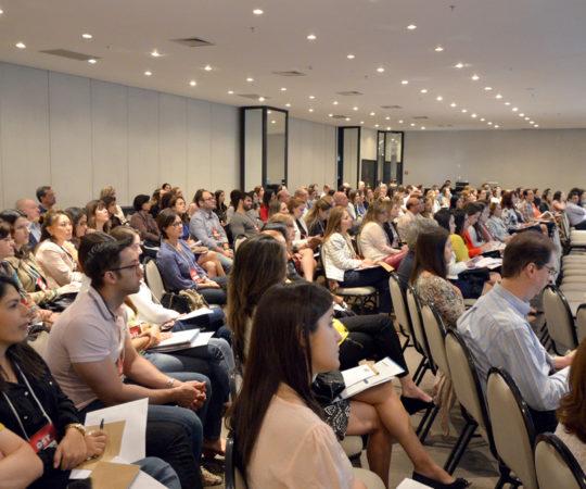 Sócios da Sociedade Brasileira de Dermatologia presentes no Curso de Atualização em DST, realizado em 15/08/2015 em São Paulo.