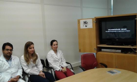 Os Residentes Estagiários de DST de outubro de 2015, durante a apresentação do Documentário sobre a trajetória Científica do Prof. Dr. Sebastião de Almeida Prado Sampaio,primeiro Presidente  do CEADS