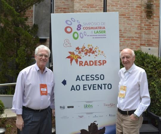 O Prof. Dr. Luiz Jorge Fagundes, Coordenador Científico do CEADS e o Sr. José Luviah Fagundes, Colaborador do CEADS, na porta do Centro de Convenções em Campos do Jordão,onde foi realizada a 20 RADESP.