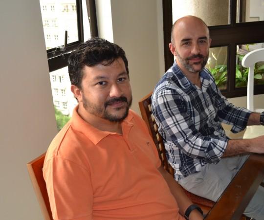 O Prof. Carlos Okada,Secretário do CEADS e o Advogado Gustavo Ferreira, Membro do Conselho Fiscal do CEADS, durante a Runião sobre as Metas do Centro de Estudo para 2016.