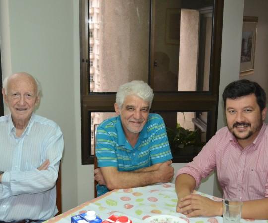 O Sr. José Luviah Fagundes, Colaborador e Administrador da sede do CEADS, o Artista Plástico Franco de Rosa e o Secretário do CEADS , o Engenheiro Carlos Okada, duante a reunião do Grupo de Gestores do CEADS.