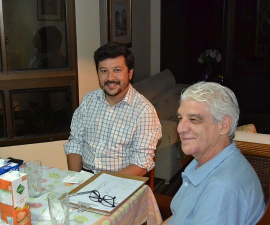 O Artista Plástico Franco de Rosa e o Engenheiro Carlos Okada, Secretário do CEADS, durante a reunião de reavaliação do site do CEADS.