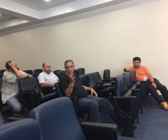 O Prof. Wesley Wey Jr,, Coordenador de Gestão do CEADS. durante sua exposição na Reunião Administrativa do CEADS.