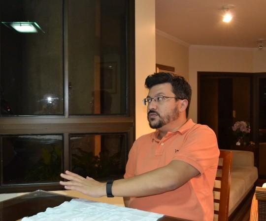 O Engenheiro Carlos Okada, Secretário do CEADS, durante a Reunião de Definição dos Projetos do CEADS.
