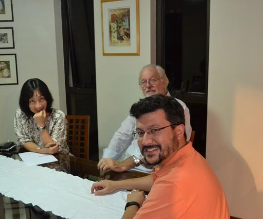A Profa. Silvia Quiota, O Cineasta Ugo Giorgetti e o Engenheiro Carlos Okada, Secretário do CEADS, durante a Reunião de Definição dos Projetos do CEADS para 2016