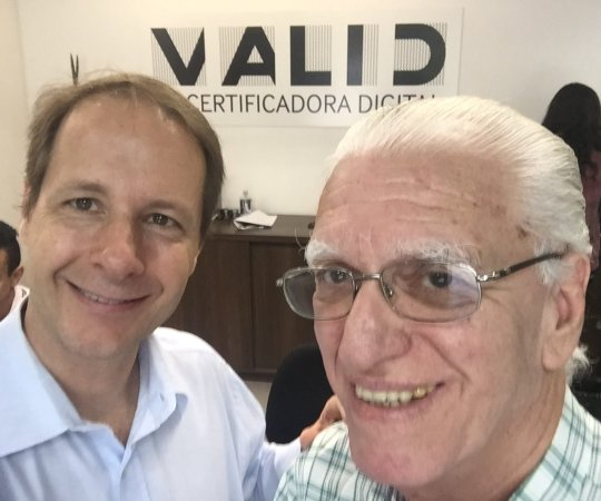 O Prof. Dr. Ricardo Romiti,Presidente do CEADS e o Prof. Dr. Luiz Jorge Fagundes, Coordenador Científico do CEADS, durante a Renovação da Certificação Digital do CEADS.