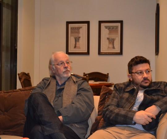 O Cineasta Ugo Giorgetti, Sócio Fundador do CEADS e o Engenheiro Carlos Okada, Secretário do CEADS, na reunião do CEADS em sua sede.