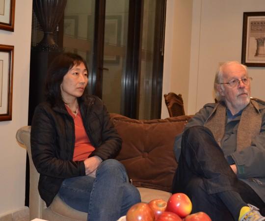 A Economista e Profa. de Gestão de Projetos Silvia Quiota e o Cineasta Ugo Giorgetti, Sócio Fundador do CEADS, durante a reunião de encontro entre os representantes do CEADS e o representante da APAA.