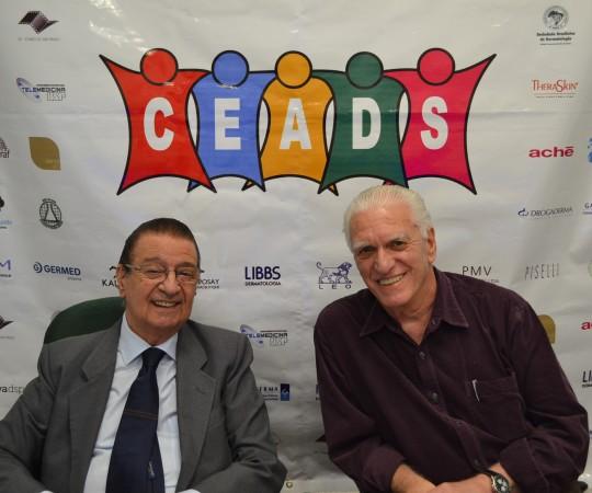 """O Prof. Dr. Luiz Carlos Cucé , Coordenador do 58 Fórum de Debates do CEADS e o Prof. Dr. Luiz Jorge Fagundes, Coordenador Científico do CEADS, durante a apresentação do Evento sobre """"Micoses Profundas""""."""