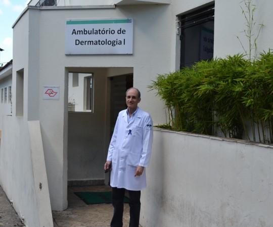O Prof. Dr. Mario Cezar Pires, Vice Presidente do CEADS e Diretor Técnico de Saúde II do Complexo Hospitalar  Padre Bento de Guarulhos.