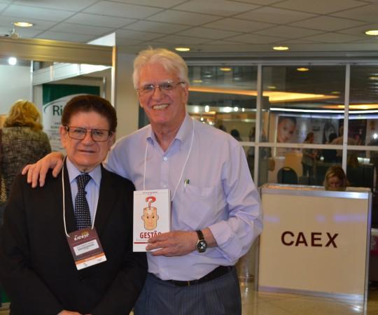 O Prof. Dr. João Roberto Antonio, Responsável pela Dermatologia do Hospital de Base de São José do Rio Preto e o Prof. Dr. Luiz Jorge Fagundes, Coordenador Científico do CEADS, durante a XXI RADESP.