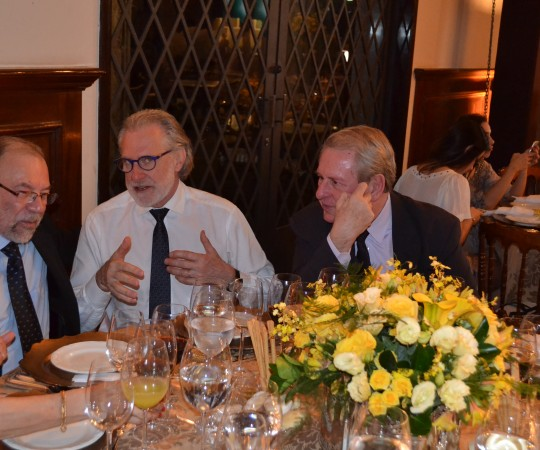 O Prof, Dr. Silvio de Alencar Marques da Faculdade de Medicina de Botucatu, o Prof. Dr. Sergio Talarico da Escola Paulista de Medicina ( UNIFESP) e o Prof. Dr. Samuel Mandelbaum, da Faculdade de Medicina de Taubaté, presentes ao Evento do Jantar com o Presidente , na XXI RADESP