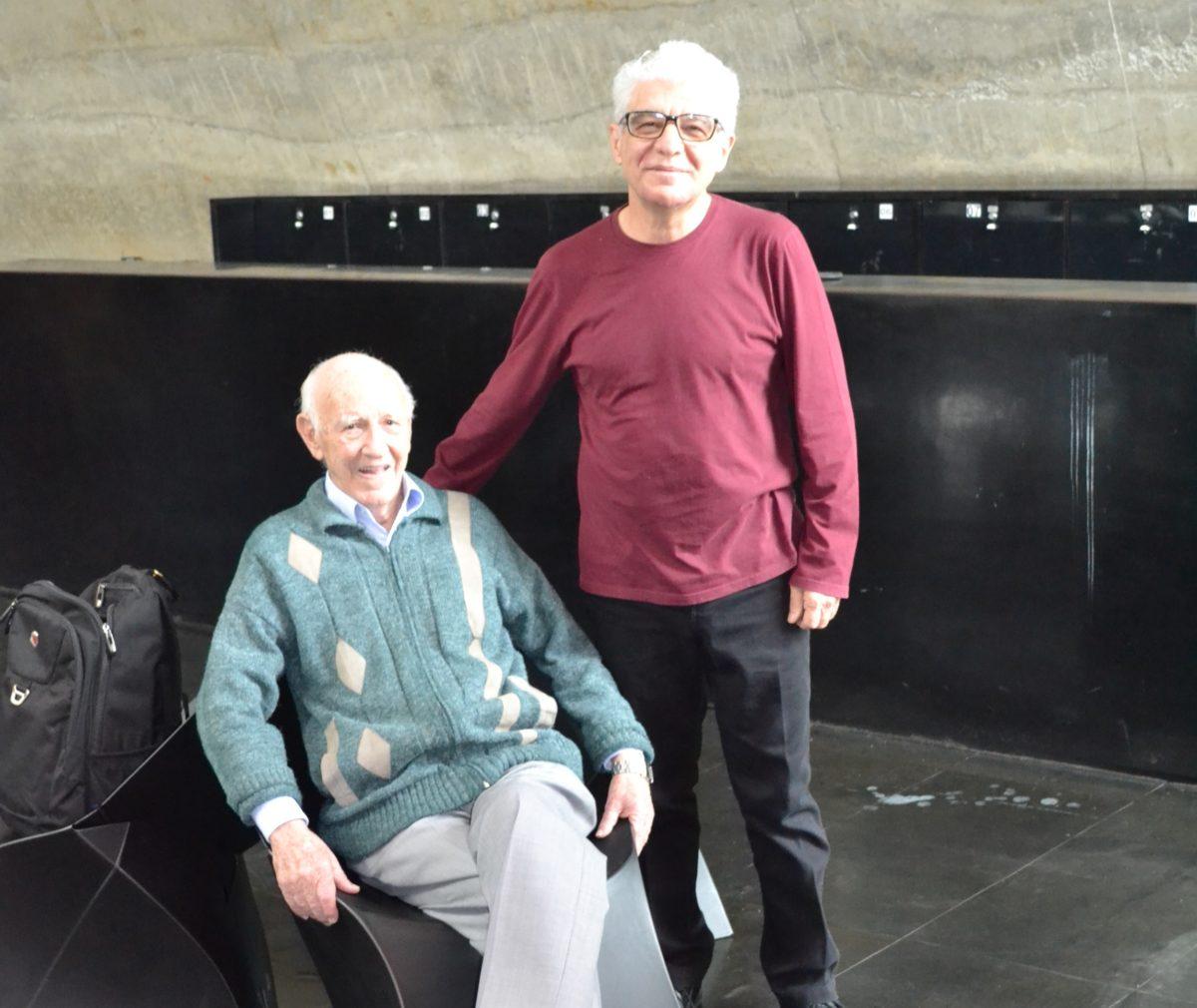 O Artista Plástico Franco de Rosa, sócio Fundador do CEADS, ao lado do Sr. Juca Fagundes, Colaborador do site do CEADS.