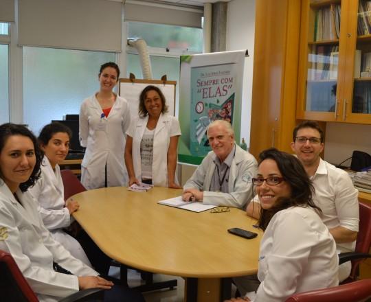 A Enfermeira Natalina Lima, a Auxiliar de Enfermagem Cristiane Martins Lopes, Colaboradoras do CEADS, o Prof. Dr. Luiz Jorge Fagundes, Coordenador Científico do CEADS e os Estagiários de Fevereiro de 2017,durante a Reunião de Apresentação do Estágio.