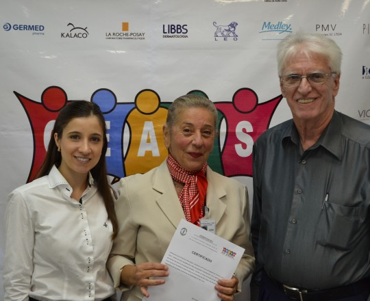 Dra. Natália Targa Pinto, Colaboradora do CEADS, a Profa. Dr. Lana Aguiar, Coordenadora do Fórum de Debates e o Prof. Dr. Luiz Jorge Fagundes, Coordenador Científico do CEADS, no encerramento do 63 Fórum de Debates do CEADS.