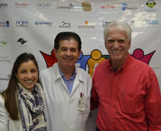 """A Dermatologista Sanitária e Colaboradora do CEADS a Dra. Nathalia Targa Pinto, o Prof. Dr. Vitor Reis, Colaborador do CEADS e Palestrante do tema: """"Dermatoses Ocupacionais"""" e o Prof. Dr. Luiz Jorge Fagundes, Coordenador Científico do CEADS e Organizador do Fórum."""