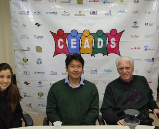 A Dra. Nathalia Targa Pinto, Colaboradora do CEADS, O Dr. Denis Miyashiro, Palestrante do Fórum de Debates e o Prof. Dr. Luiz Jorge Fagundes, Coordenador Científico do CEADS, Organizador do Evento.