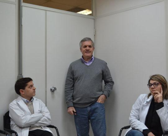 """O Prof. Lucas Blanco e os estagiários de DST e IST de julho de 2017, durante a Palestra sobre """"Negociação e Persuasão""""."""