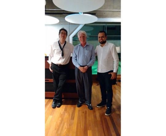 Os Músicos Mauro Cazzelatto (Saxofonista e Flautista) e Luciano Ruas ( Pianista), Colaboradores do CEADS e o Prof. Dr. Luiz Jorge Fagundes, Coordenador Científico do CEADS, durante a apresentação dos Músicos.