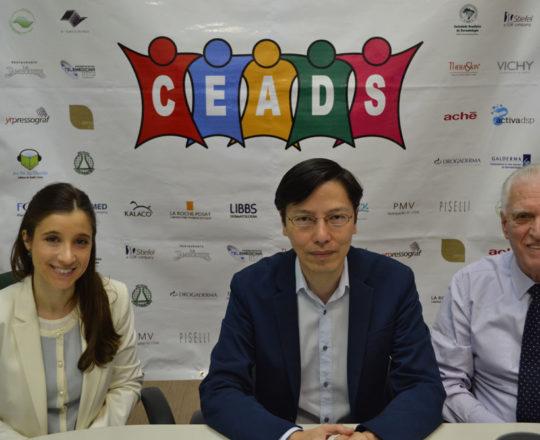 A Dra. Nathalia Targa Pinto, Colaboradora do CEADS, O Prof. Dr. Sergio Hirata, Palestrante do Fórum e o Prof. Dr. Luiz Jorge Fagundes, Coordenador Científico do CEADS e Organizador do Fórum de Debates.