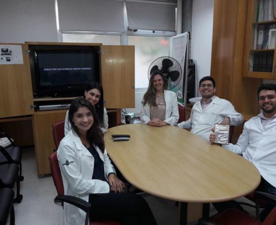 Os Estagiários de DST de setembro de 2017, durante a apresentação do Documentário sobre o Prof. Dr. Sebastião de Almeida Prado Sampaio.