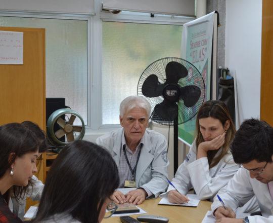 O Prof. Dr. Luiz Jorge Fagundes, Coordenador Científico do CEADS e os Estagiários de DST d setembro de 2017, durante a realização das provas Teórica e Prática de DST.