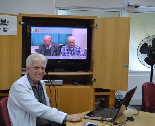 O Prof. Dr. Luiz Jorge Fagundes, Coordenador Científico do CEADS, durante a apresentação do vídeo sobre Fundamentos da Gestão com o Prof. Dr. Sidnei Martini.