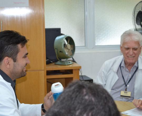 O Prof. Dr. Luiz Jorge Fagundes, Coordenador Científico do CEADS e os Estagiários de DST de novembro de 2017, durante a realização da Prova Final sobre DST.