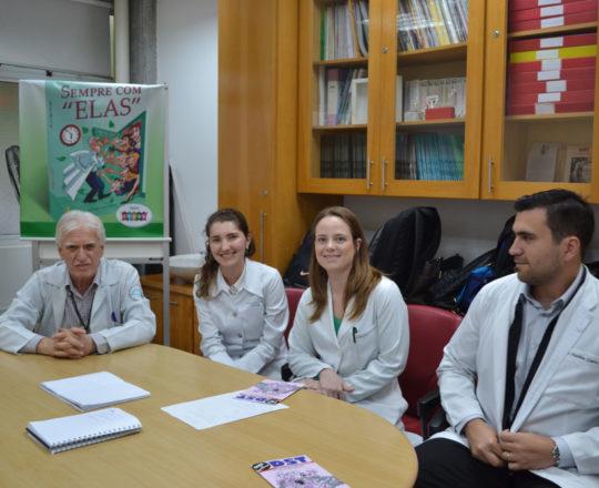 O Prof. Dr. Luiz Jorge Fagundes, Coordenador Científico do CEADS e os Estagiários de DST de novembro de 2017, do Centro de Saúde Escola Geraldo de Paula Souza da Faculdade de Saúde Pública da USP.