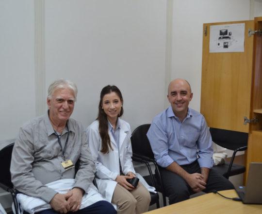 """O Prof. Gustavo Ferreira , a Dra, Nathalia Targa Pinto e o Prof. Dr. Luiz Jorge Fagundes, Colaboradores do CEADS, durante a Palestra sobre """"O Erro Médico""""."""