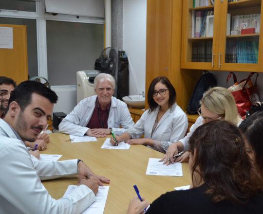 O Prof. Dr. Luiz Jorge Fagundes, Coordenador Científico do CEADS e os Estagiários de DST de janeiro de 2018, durante a realização das provas finais do Estágio.