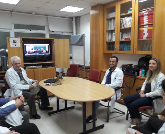 """O Prof. Dr. Luiz Jorge Fagundes , Coordenador Científico do CEADS e os Estagiários de DST de ,arço de 2018, durante a apresentação do vídeo sobre """"Consequências de uma Gestão Despreparada""""."""