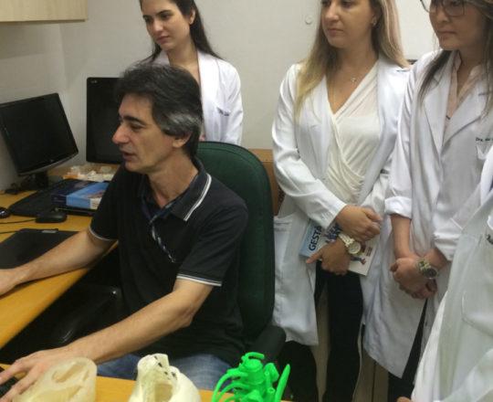 """O Prof. Gustavo Zagatto apresentou as etapas da elaboração do """"Homem Virtual""""."""